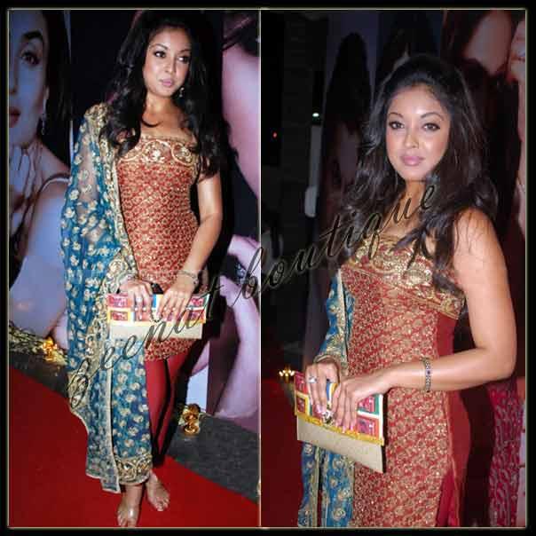 Tanushree Dutta In Sleeveless Churidar Salwar kameez
