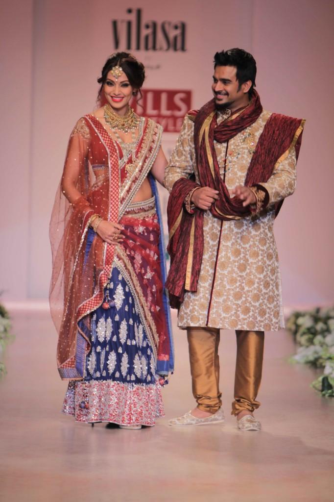 Rocky-S-Vilasa-autumn-winter-2012-Wills-Lifestyle-India-Fashion-Week-WIFW-2012-beStylish.com-Stylopedia-49-682x1024