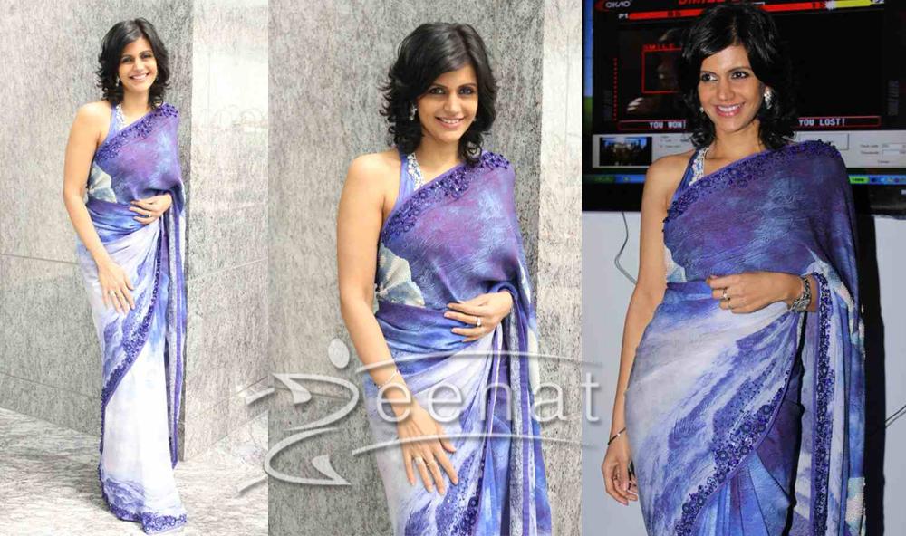 Mandira Bedi In Blue Printed Saree