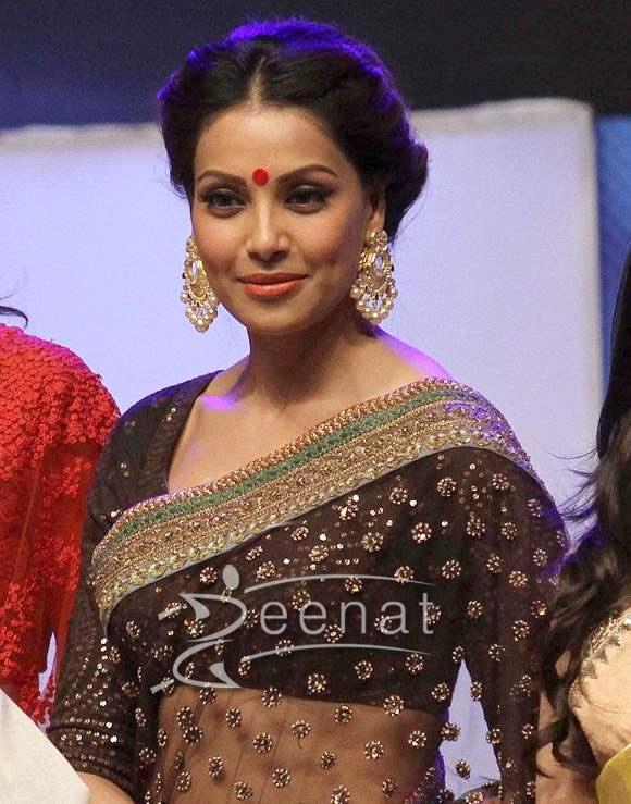 Bipasha Basu In Saree
