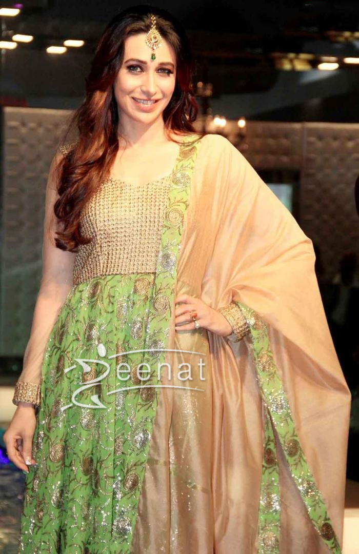 Karisma Kapoor In Anarkali SuitKarisma Kapoor In Anarkali Suit