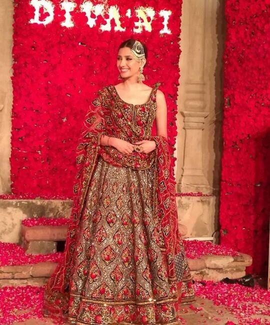 Mahira Khan Divani Pakistan Lehenga
