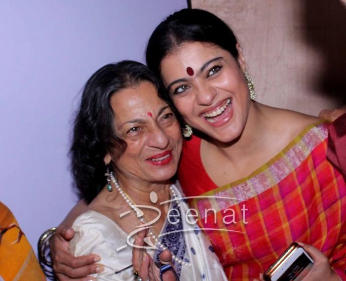 Kajol In Anvila Checked Saree For Durga Pooja